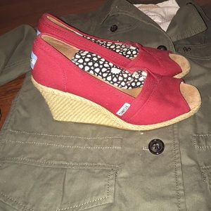 Women's Toms wedges size 7